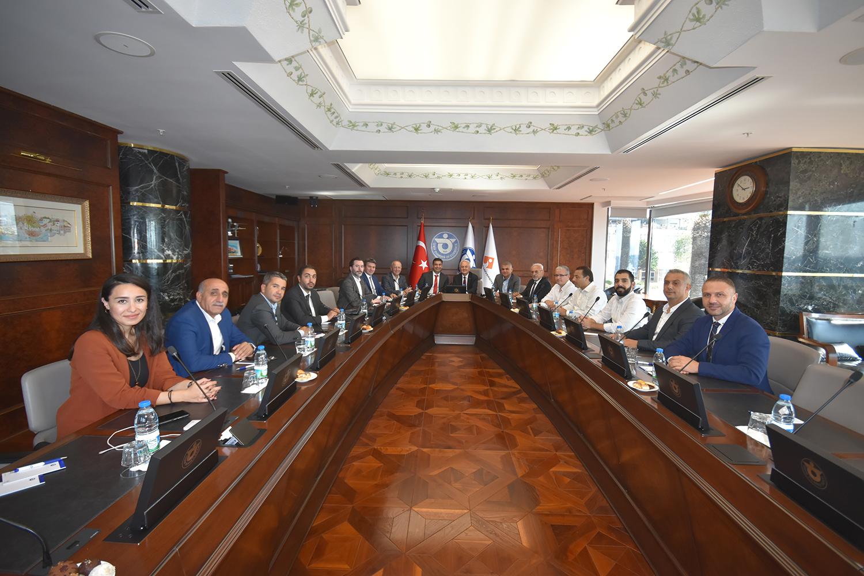 OSS Yönetimi İzmir Ticaret Odasını Ziyaret Etti